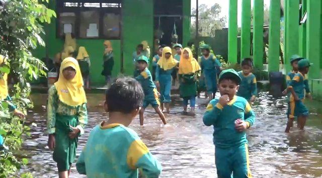Halaman MIN 10 Banjar Banjir