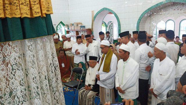 KH Ma'ruf Amin berziarah ke Makam Leluhur