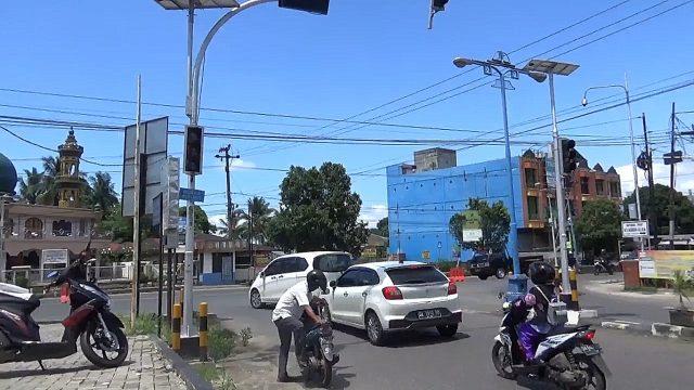 Pertigaan A Yani & Ro Ulin Banjabaru Ditutup