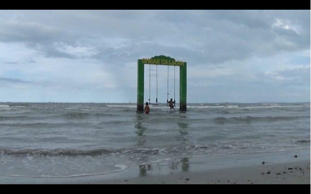 HTM Pantai Gedambaan Naik, Omzet Pedagang Turun