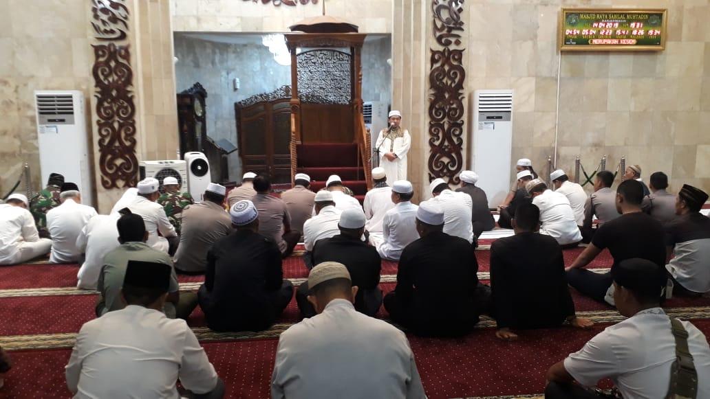 Jelang Pemilu Mitra TNI-Polri & Forkompinda Gelar Sholat Hajat