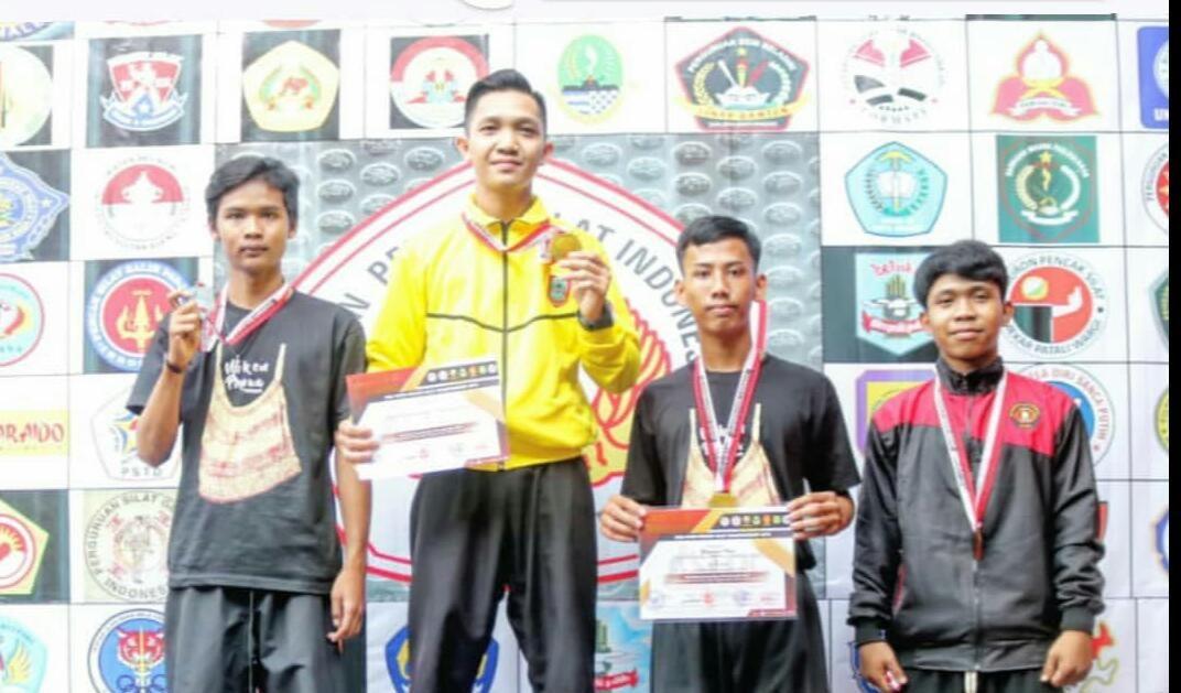 Azhar Sabet Juara Pertama di Kejuaraan Pencak Silat Terbuka