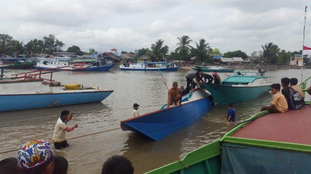 Kapal Nelayan Karam di Perairan Kuala