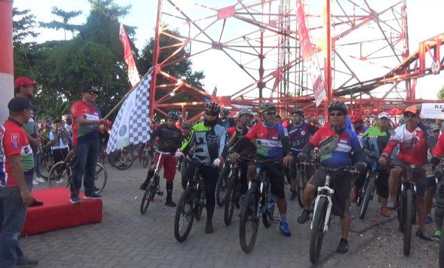 400 Peserta Meriahkan Fun Bike Indihome Gathering Community