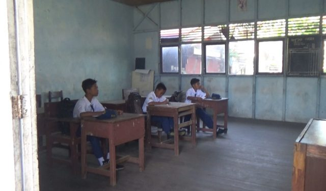 Hari Pertama Masuk Sekolah, Kelas VII SMP PGRI 3 Hanya Diisi 3 Siswa