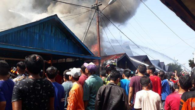 Kebakaran Landa Pemukiman Warga Padat Penduduk di Alalak Tengah