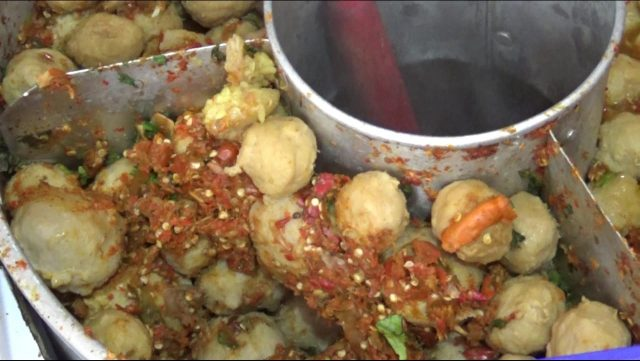 Pentol Kuah Tajahang Sajikan Cita Rasa Pedas