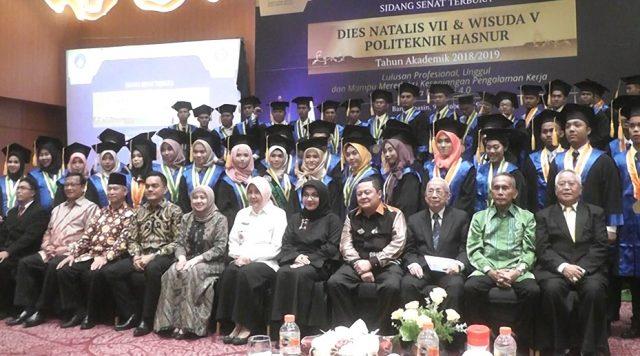 Lulusan Poltek Hasnur Dibekali Program Magang Siap Kerja