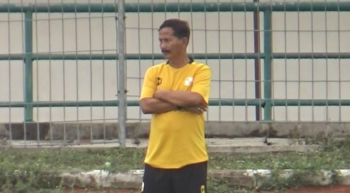 Coach Djanur Nurjaman