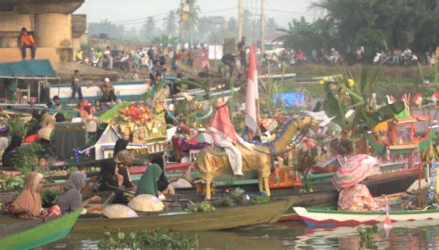 Pesona Festival Pasar Terapung Asli Lok Baintan Tarik Wisatawan Mancanegara