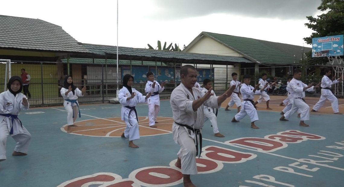 latihan karate