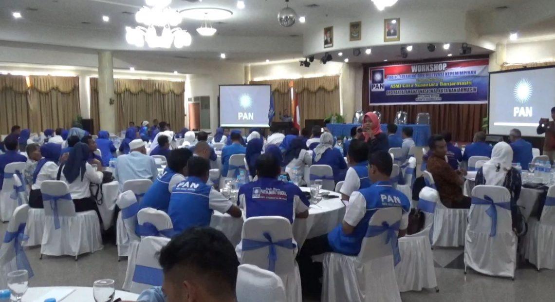 workshop publik speaking dan motivasi kepemimpinan