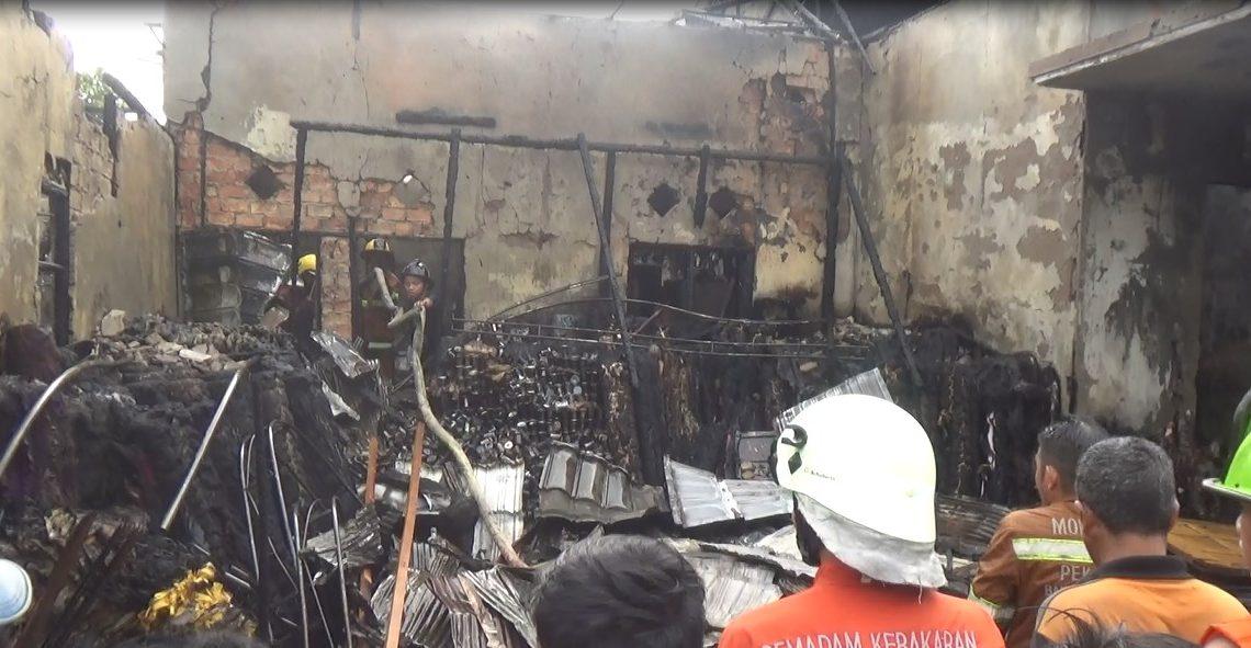 Kebakaran di jalan Mahligai Permai lll