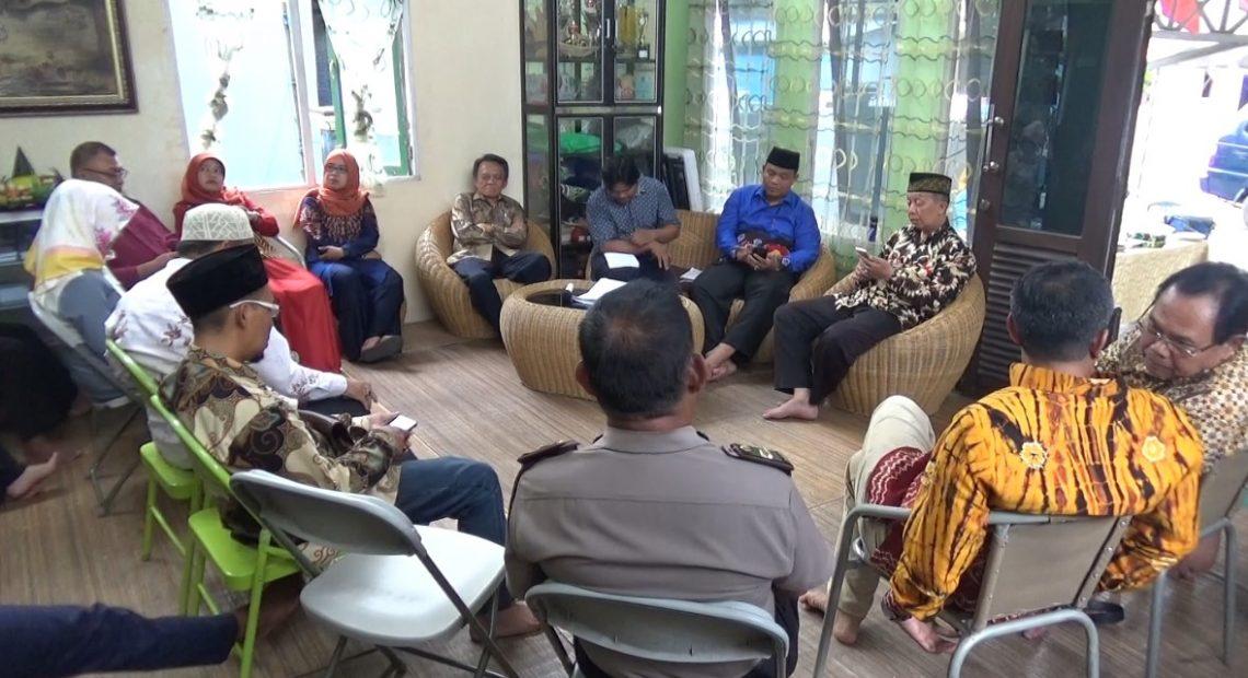 diskusi yang digelar organisasi kemasyarakatan Lembaga Kajian Keislaman dan Kemasyarakatan (LK3) Banjarmasin