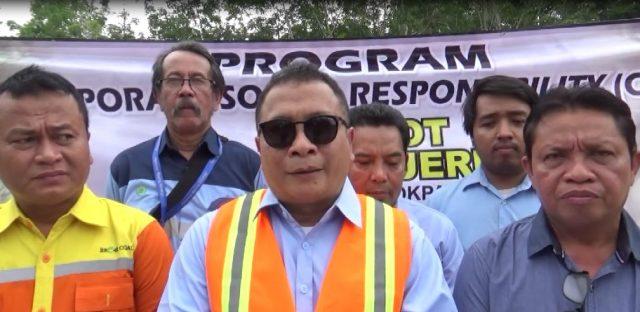 Rudi D Siswantoro (tengah) Pimpinan Wilayah Hasnur Group Kalsel