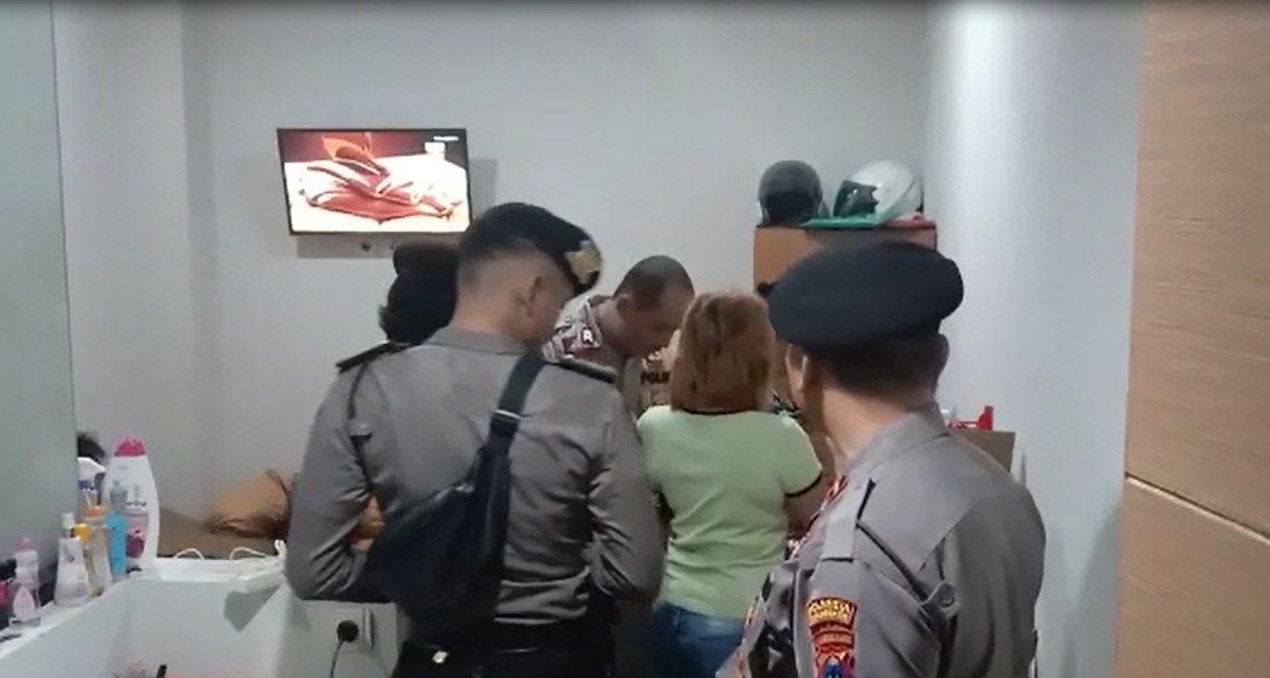 Sabhara Polresta Banjarmasin Rabu dini hari menggelar Razia Hotel