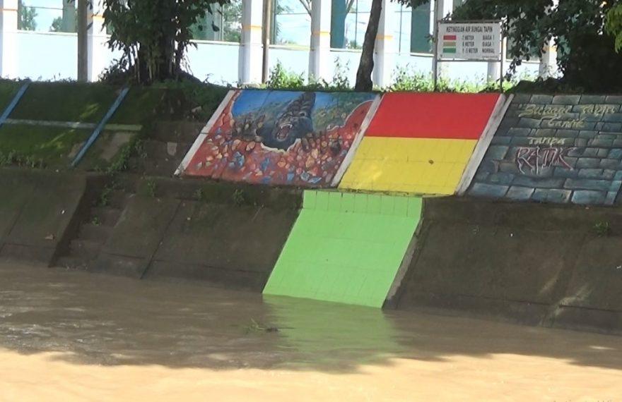 ketinggian air sungai Tapin