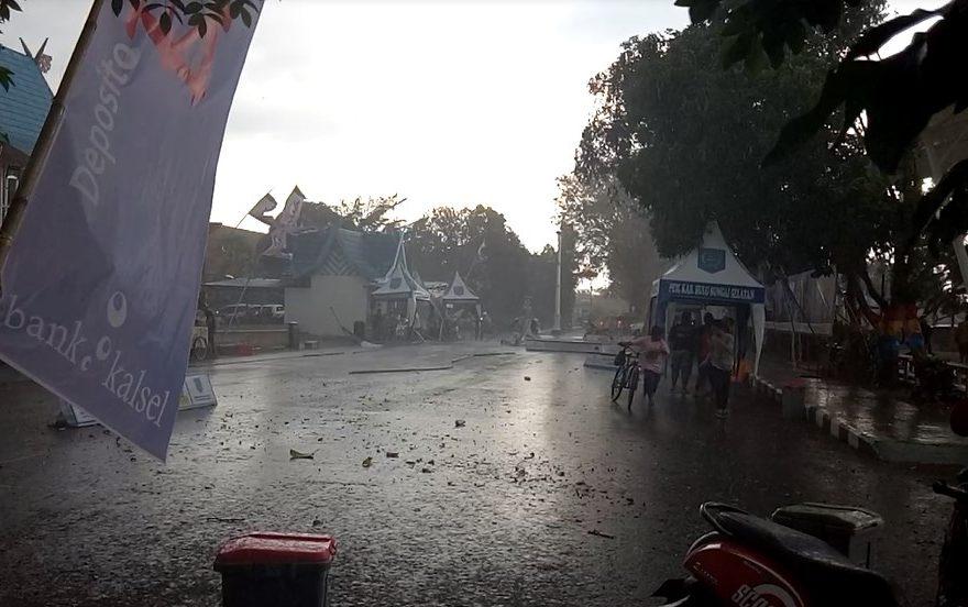 Hujan disertai angin puting beliung
