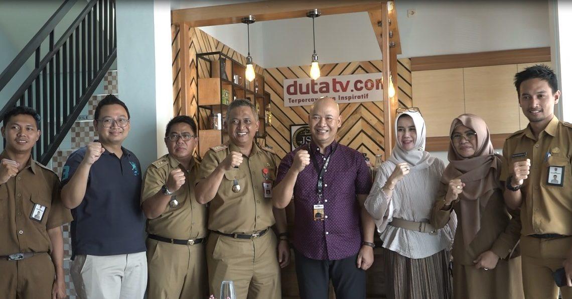 Menjalinan silaturahmi PT Duta TV dengan kepala Dinas Kominfo Kalsel