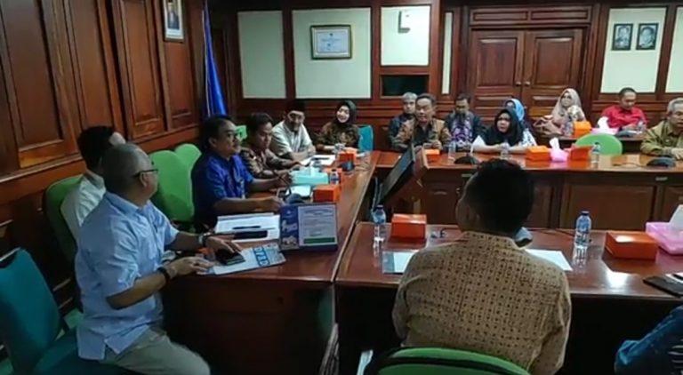 Komisi IV Pertanyakan Gaji Guru Honor ke Kemendikbud