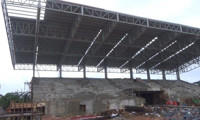 Proyek Renovasi Stadion 17 Mei Molor, Kontraktor Kena Denda