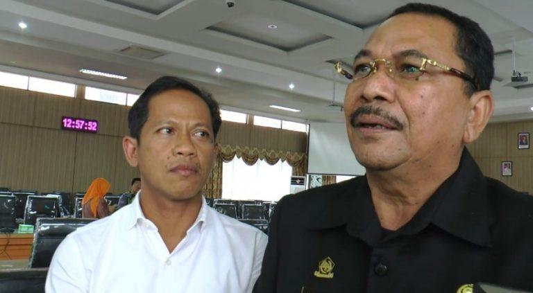 ketua DPRD Kalsel, Supian HK (kanan)