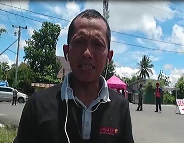 Reporter Duta TV sedang Reportase