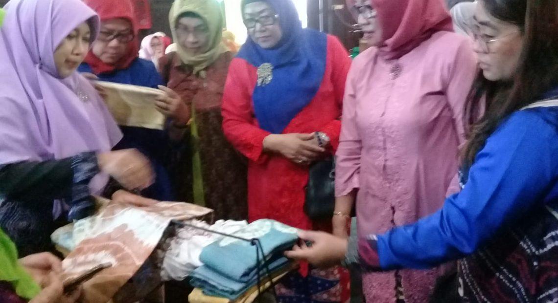 Ibu Walikota Ajak IKWI Pusat Sambangi Rumah Anno