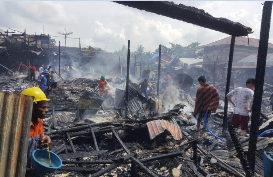 Lima Buah Rumah di Desa Bakau Jadi Arang