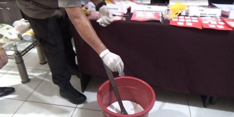 Polresta Campur Dua Kg Sabu Dengan Detergent