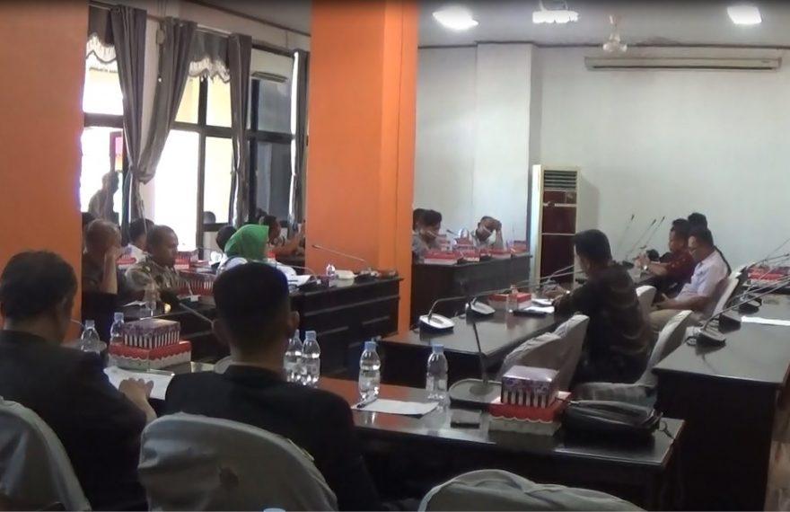 Rapat Buruh dengan Komisi I DPRD kotabaru