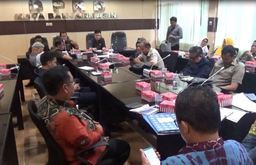 Rapat DPRD dengan Bkd & Disdik kota Banjarmasin