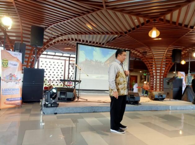 H Ibnu Sina mempresentasikan berbagai destinasi yang ada di kota Banjarmasin