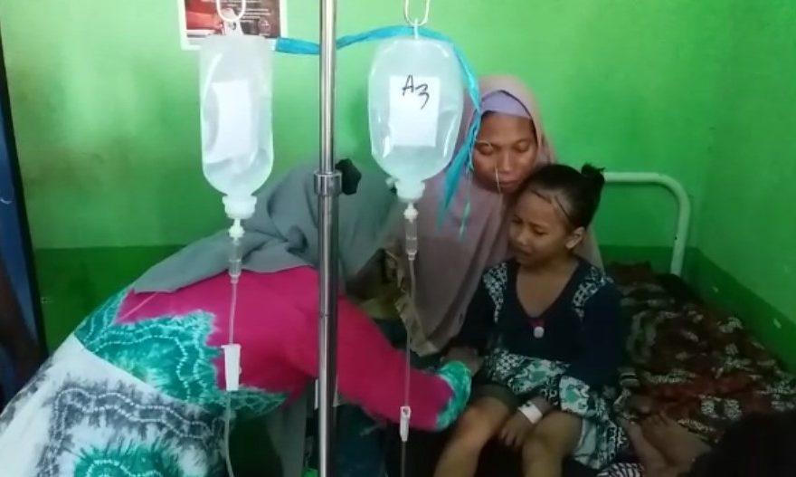 warga yang dirawat di RS, dikarenakan keracunan makanan