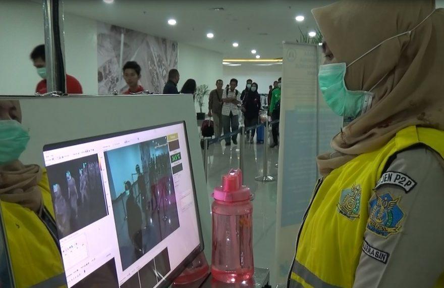 Bandara Internasional Syamsudin Noor Banjarmasin memasang 2 Alat Thermal Scanner