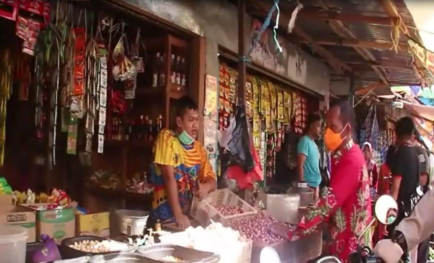 Bupati Tanah Laut, Sukamta melakukan sidak di Pasar Tapandang Pelaihari