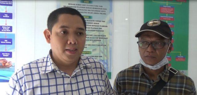 Dr. Rey Adi Wirawan (kiri) Dokter Tim