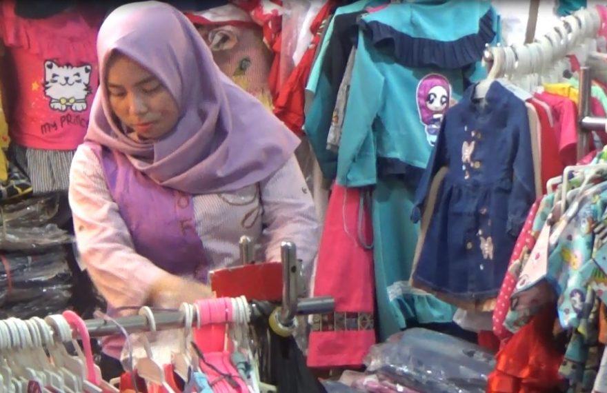 Efek virus corona pedagang kain sepi pembeli
