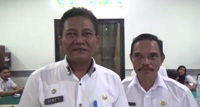 Heru Susmianto (kiri) Kabid Pengembangan Pemuda Dispora Kalsel