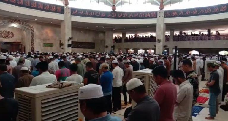 Masjid Sabilal Muhtadin dipenuhi jamaah Shalat Jumat
