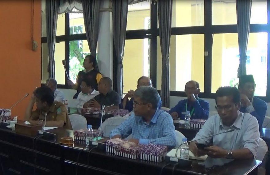 Rapat Sebuku Grup dengan DPRD Kotabaru