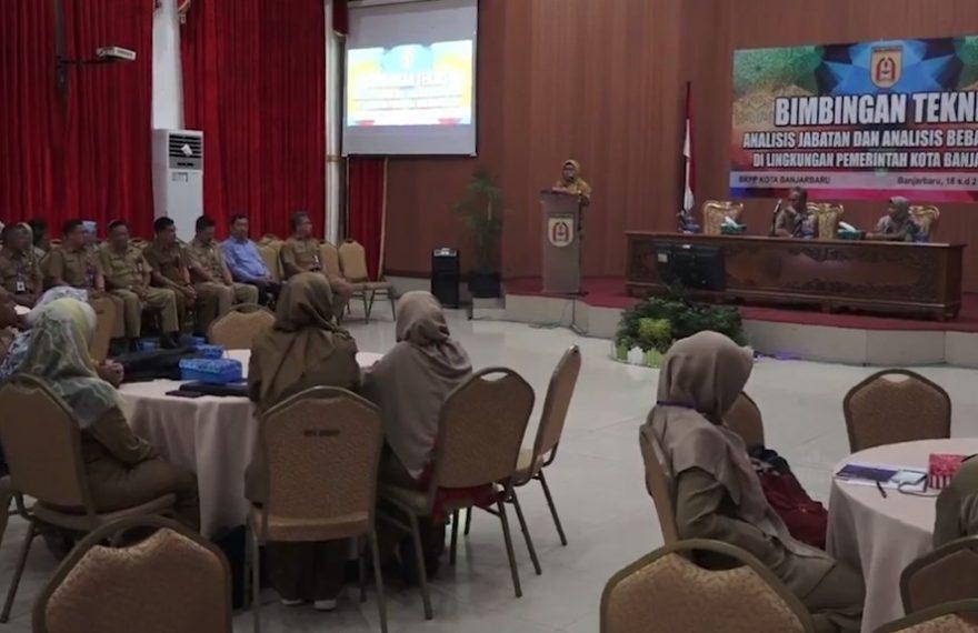 Rapat bimbingan teknis analisis jabatan di kota Banjarbaru