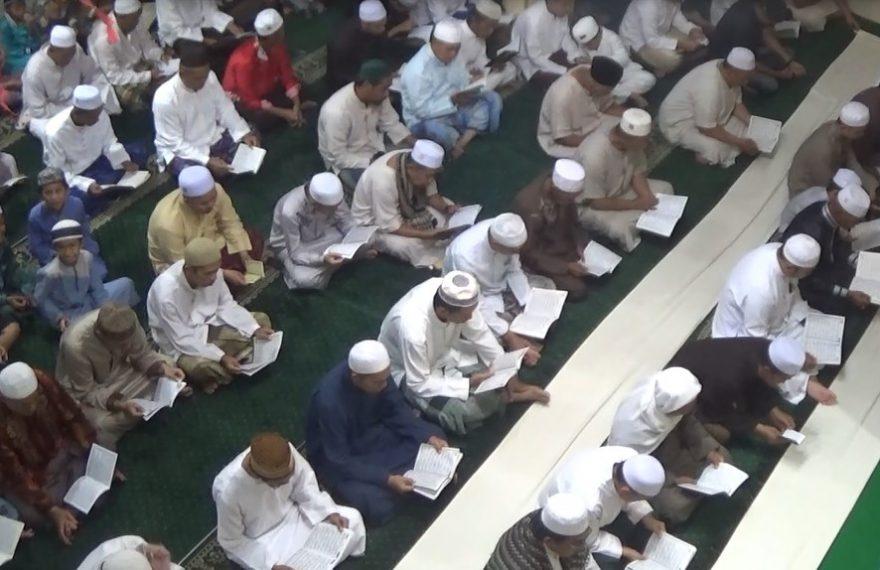Warga Rantau Gelar Sholat Hajat dan Doa Tolak Bala