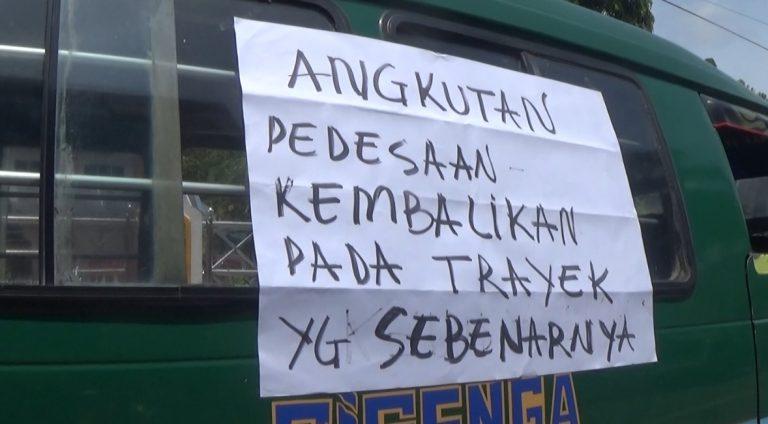 Sopir Angkot Protes Dishub Kotabaru Izinkan Angdes Masuk Kota