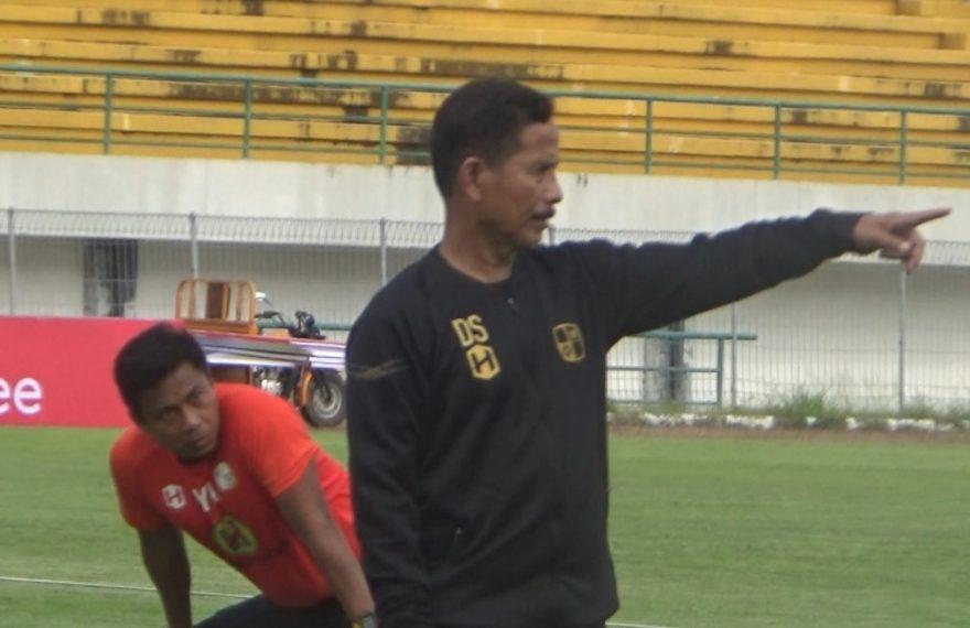 pelatih kepala Barito Putera, coach Djajang Nurjaman