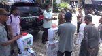 Anggota Dewan Berikan bantuan alat penyemprot cairan disinfektan