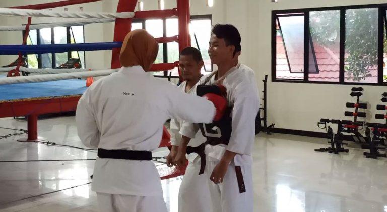 Atlet Kempo Tetap Jalani LatihanAtlet Kempo Tetap jalani Latihan