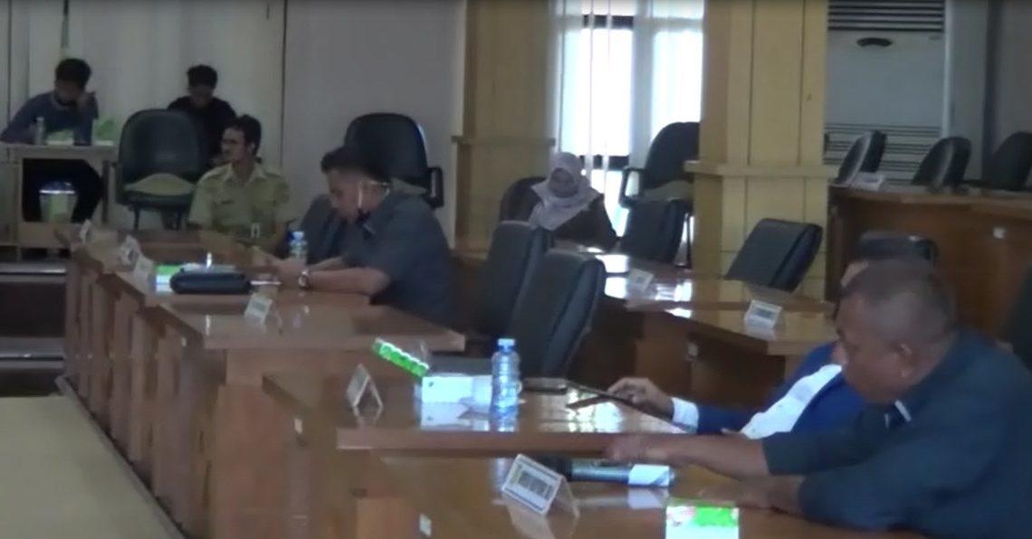 DPRD Banjarbaru Gelar Rapat Dengan Menjaga Physical Distancing