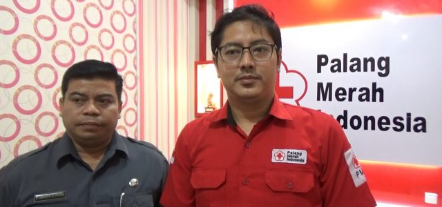 Dokter Aulia Ramadhan Supit (kanan)