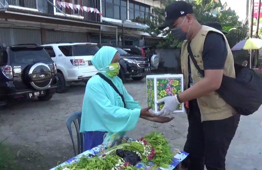 Pedagang Kembang A Yani Dapat Bantuan Sembako Dari KKB